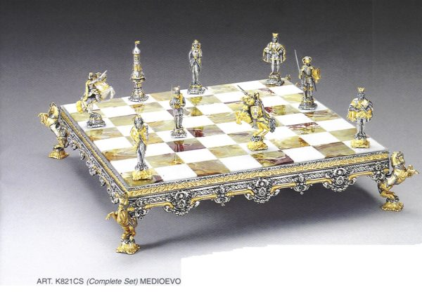 Big Medioeval Complete Chess Set (Board And Pieces)